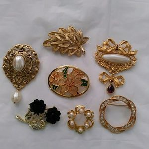 7 Vintage Brooches Pins